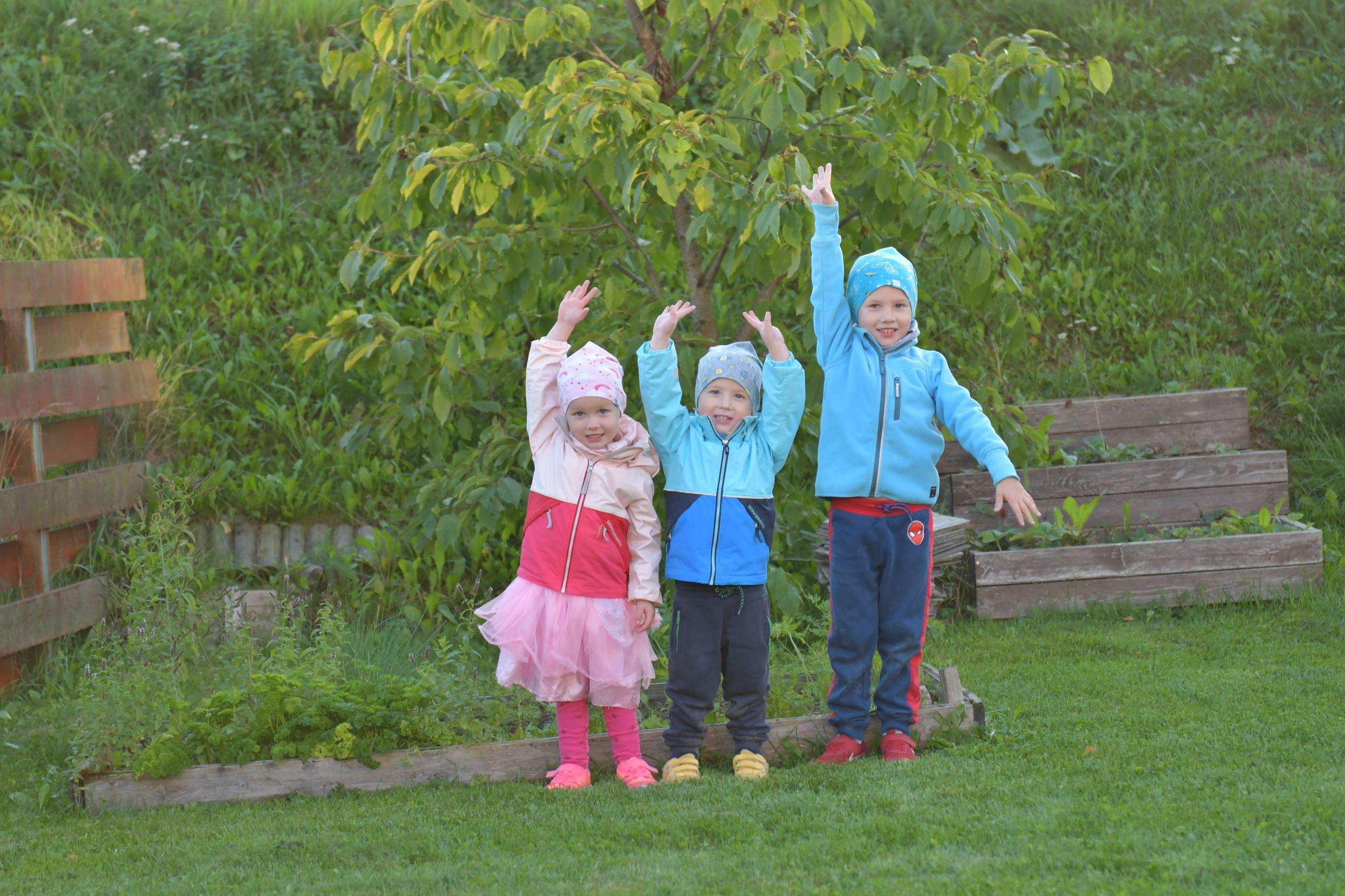 1e77b66592f Kuid õudseim asi, mis külmaga kaasneb, on laste riietamine. Enam ei saa  neid looduslapse kombel hommikul õue kupatada, vaid nad tuleb hoolikalt  riidesse ...